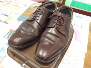 革靴のお手入れビフォー