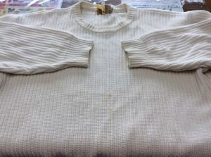 綿セーター黄ばみビフォー