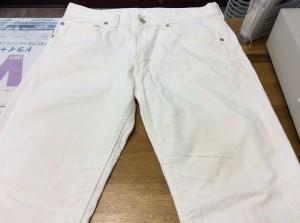 白いジーンズ黄ばみビフォー