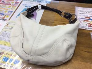 白い皮革バッグアフター