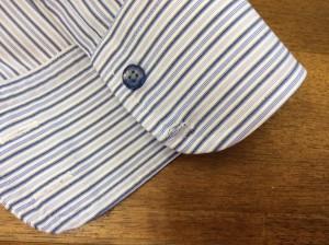 ワイシャツの袖ボタン修理ビフォー
