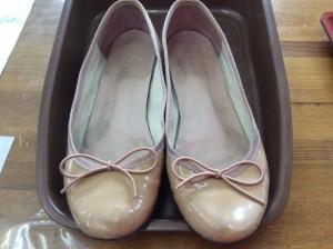 エナメル婦人靴のメンテナンスビフォー