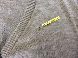 セーターの虫食い修理ビフォー
