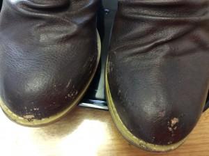 合成皮革ブーツの剥がれビフォー