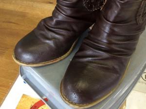 合成皮革ブーツの剥がれアフター