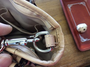 バッグのほつれビフォー
