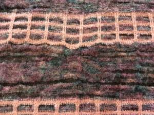 セーターの擦り切れ穴アフター