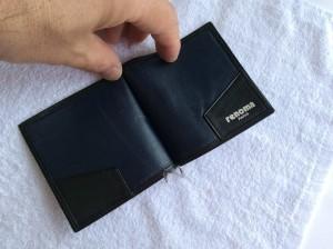 財布の合成皮革のベタつきアフター