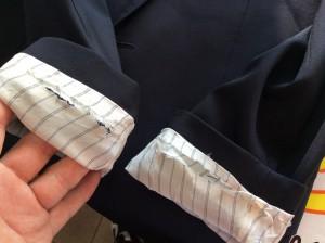 紳士ジャケット袖すり切れビフォー