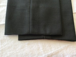スラックス裾のすり切れアフター