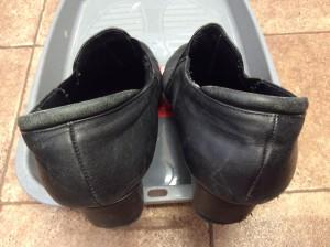 婦人革靴の色ハゲビフォー