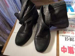 ブーツの色ハゲ補修ビフォー