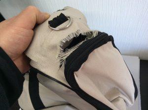 バッグの破れ修理ビフォー