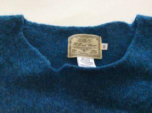 セーターの裂け修理ビフォー