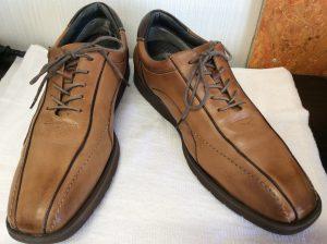 ヌメ革靴に雨じみアフター