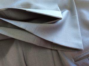 スラックス裾擦り切れアフター