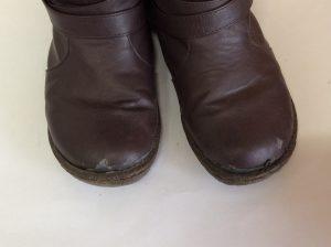 合皮ブーツ劣化復元ビフォー