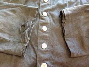 綿カーディガン袖口擦り切れビフォー