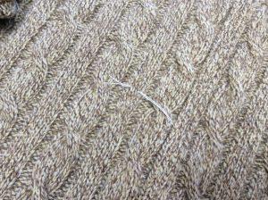セーターの虫食い穴修理アフター