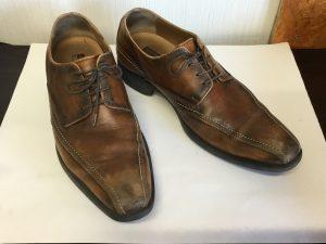 紳士革靴クリーニングと色ハゲ補修ビフォー