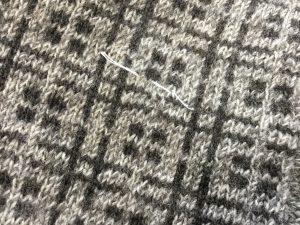 セーター虫食い修理アフター