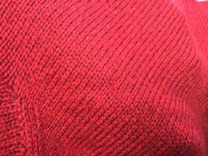 セーター虫食い穴直しアフター