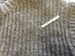 セーター虫くい直して衣替えアフター