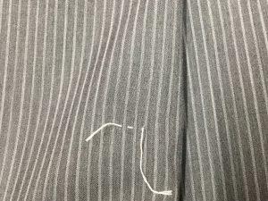 スーツの虫食い穴修理アフター