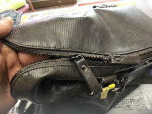 婦人バッグのファスナー不具合ビフォー
