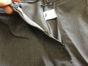 スカートのファスナー修理ビフォー