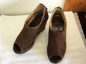 カビの発生したスエード靴アフター