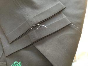 学生ズボンの裾出し補正アフター