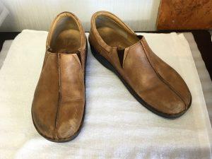 ヌメ革婦人靴クリーニングビフォー