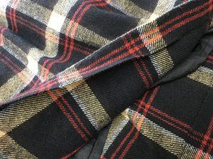 スカートの裾ほつれ修理ビフォー