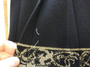 ニットスカートの虫食い穴アフター