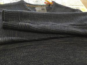 セーターの袖ほつれ修理アフター