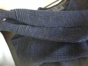 セーターの袖ほつれ修理ビフォー