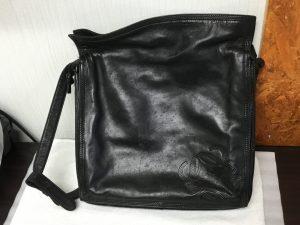 婦人バッグのカビ処理ビフォー