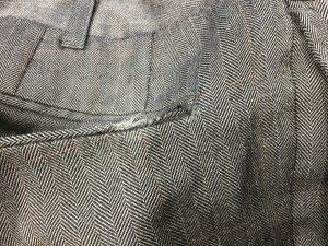 スラックスのポケット擦り切れ修理ビフォー