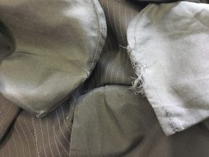 スラックスのポケット穴修理ビフォー