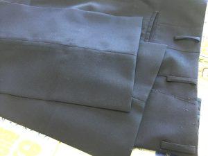 学生ズボンの裾出しビフォー