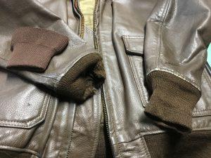 革ジャンの袖口リブ取替えビフォー