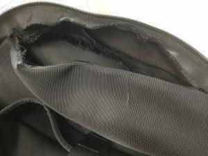 ビジネスバッグの破れ修理ビフォー